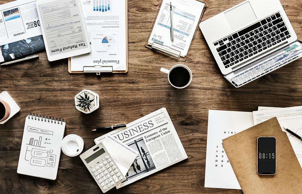 financial planners desk